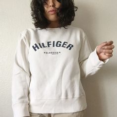 Vintage Tommy Hilfiger Sweater Simple sweater to make any outfit pop, especially with the clean brand name, you'd be stunting everywhere! ❤️ I do bundles and negotiate prices❤️ Tommy Hilfiger Sweaters Crew & Scoop Necks