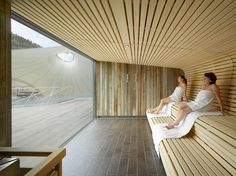 A Spot in the Shade: Germany's Palais Thermal Spa and Sauna – Decor is art Sauna Steam Room, Sauna Room, Spa Design, Pool Spa, Spas, Sauna Wellness, Spa Sauna, Sauna Seca, Outdoor Sauna