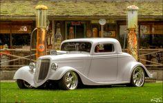 1934 Ford 3-Window Street Rod