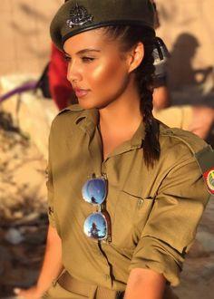 "Képtalálat a következőre: ""IDF - Israel Defense Forces - Women"" Idf Women, Military Women, Stunningly Beautiful, Beautiful Women, Israeli Girls, Female Soldier, Army Soldier, Military Girl, Warrior Girl"