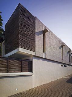 Galería de Villa Ribander / Raya Shankhwalker Architects - 5
