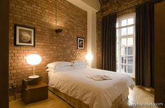 The perfect place to dream of Romeo after a thrilling night at the Globe theater in #London. See more of this #vacation #rental here: http://www.nyhabitat.com/london-apartment/vacation/447