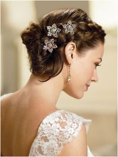 Thick Side Braid In Loose Mess Bridal Hairstyles