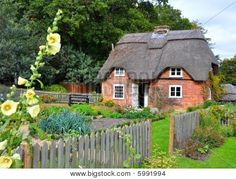 Old English Cottages   Old English Thatched Cottage 2