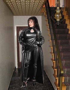 Long Leather Coat, Leather Mini Dress, Leather Dresses, Leather And Lace, Leather Boots, Sexy Outfits, Sexy Dresses, Leder Outfits, Sexy Boots