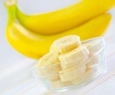 Razones para consumir plátano:   -Incrementa el nivel de agilidad mental  -Ayuda a reducir el colesterol -Reduce los dolores ocasionados por cólicos menstruales -Por su alto contenido de hierro y potasio, ayuda a prevenir la anemia -Reduce la irritación en el estomago y el efecto de la acidez