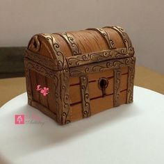 Treasure case cake topper - Cake by Sugar Artistry Cakes by Shabana
