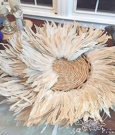 Rust & Linen: DIY African JUJU Hat Tutorial - Rust & Linen: DIY African JUJU Hat Tutorial You are in the right place about decoration mariage Her - Boho Diy, Boho Decor, Sombreros Juju, Home Crafts, Diy And Crafts, Feather Wall Art, Juju Hat, Hat Tutorial, Deco Boheme