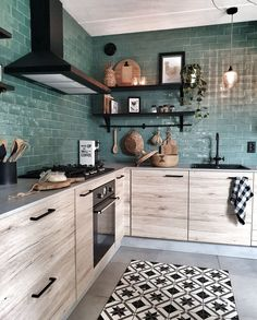 Green tile suits perfectly for this kitchen. Budget Home Decorating, Interior Decorating, Interior Design, Simple Interior, Kitchen Tiles, Kitchen Decor, Kitchen Colors, Kitchen Layout, Design Kitchen