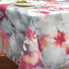 An impressionist print of red and white lilies in a summer moonlight, this original collection of table linens will draw the attention and praises of your guests. Linen Tablecloth, Tablecloths, Table Linens, White Lilies, Tabletop, Red And White, Napkins, Lily, Shapes