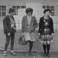 1980s alternative fashion - vintage dresses and cardigans with black tights... Marine Girls.. English band from about 1981