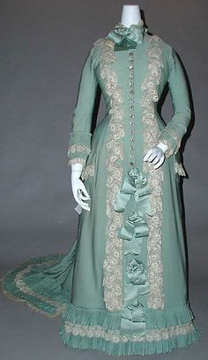 Dress (Tea Gown)  Date: 1890 Culture: French Medium: silk, cotton. http://www.metmuseum.org/Collections/search-the-collections/80002676?rpp=20=1=*=Gowns=9
