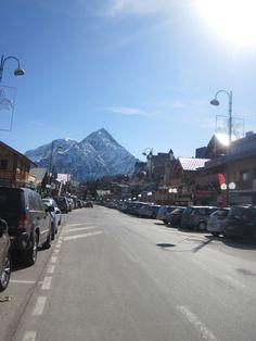 Fancy a shop....nah id rather ski down that mountain!