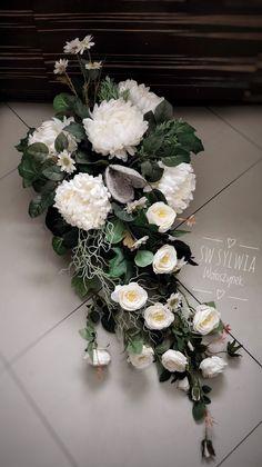 Grave Decorations, Ikebana, Funeral, Flower Designs, Paper Flowers, Flower Arrangements, Floral Wreath, Wreaths, Photography