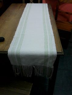 Uurarum - Tejidos Artesanales: caminos de mesa Mattress, Bed, Furniture, Home Decor, Color Accents, Knitted Throws, Tapestry Weaving, Mesas De Luz, Table Runners