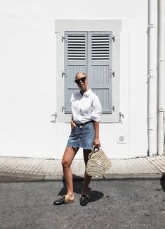 Look – Vintage Denim Shirt & Loafers (Victoria Törnegren) Look Vintage, Vintage Denim, Loafers Outfit, Blue Denim Skirt, Denim Shirt, Well Dressed, White Tops, Short Skirts, Outfit Of The Day