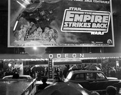 The Empire Strikes Back film premiere at the Odeon Leicester Square, London, 20 May Star Wars Uk, Star Wars Film, Vintage Movie Theater, Vintage Movies, West End Theatres, Star Wars Pictures, The Empire Strikes Back, Film Review, Sci Fi Movies