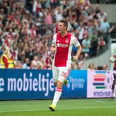 Nick Viergever komt in een mooi rijtje Ajacieden die scoren tijdens hun competitiedebuut voor #Ajax. Onder anderen Cruijff, Van Basten, Kluivert, Siem de Jong en Klaassen gingen hem voor.