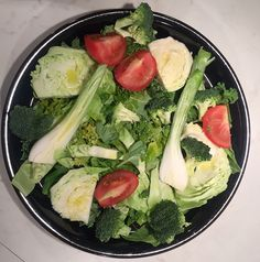 ruoka Cobb Salad, Broccoli, Cabbage, Vegetables, Food, Veggies, Veggie Food, Meals, Vegetable Recipes