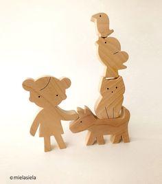 Holzspielzeug - Naturholzspielzeug - Mädchen, Katze, Hund, Vögel - ein Designerstück von mielasiela bei DaWanda