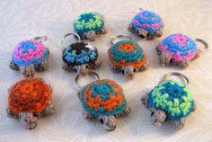 LucyRavenscar - Crochet Creatures: Mini Crochet Creatures - Tiny Two-tone Turtle