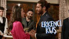 Urmareste serialul turcesc Pasarea matinala Episodul 36 online subtitrat. Producţia cu accente comice va prezenta povestea de dragoste dintre Can şi Sanem. Sanem este o tânără ambiţioasă care se angajează la o agentie de publicitate. Directorul agenţiei, Aziz, are doi băieţi cu personalităţi diferite, Sports, Hs Sports, Sport