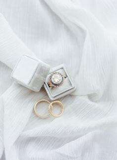 Vintage round-cut engagement ring: http://www.stylemepretty.com/little-black-book-blog/2017/04/07/romantic-stylish-southern-wedding/ Photography: Julie Paisley - http://juliepaisley.com/