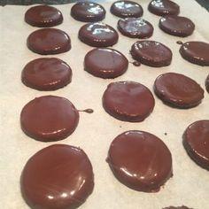 Keto Thin Mint Cookies | Keto Yum