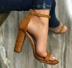 Shoes Womens fashion shoes Classy shoes Trendy shoes Sandals heels Prom shoes - Poderosaaa lookfeminino instamoda sapatodesalto sapatodeluxo modacasual modinha - Source by kalyanhans Cute Heels, Lace Up Heels, High Heels, Classy Heels, Heeled Boots, Shoe Boots, Shoes Heels, Heels Outfits, Sandals Outfit