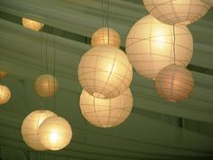 How to Light Your Dorm Room with Christmas Lights and Paper Lanterns - cute ideas!