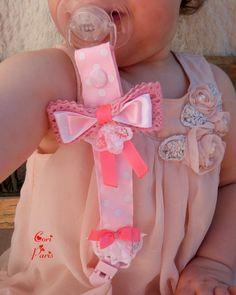 Attache tétine / attache sucette bébé gros noeud et dentelle (rose clair)