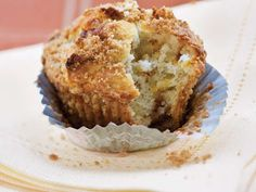 The magic of these delicious cinnamon streusel muffins is in the mix. No really, start with packaged mix, add two simple ingredients, and get ready to accept some hearty praise at the breakfast table. Muffin Bread, Muffin Mix, Breakfast Muffins, Breakfast Casserole, Breakfast Recipes, Breakfast Ideas, Cinnamon Streusel Muffins, All Bran, Paleo