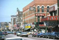 Historic shot of Commercial Avenue, South Chicago (Chicago Pin of the Day, 10/14/2015).