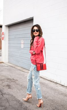 Chic Outfits, Fashion Outfits, Womens Fashion, Summer Outfits, Hello Fashion Blog, Fashion Bloggers, Sweatshirt Outfit, Classy Women, Casual Chic