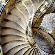 25 most beautiful spiral staircases! - Funny brain training quizzes - Trivia - Interesting facts - Personality tests | Quizzclub.com