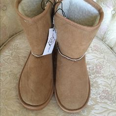 Tan boots Adorable tan boots brand new with tags size 7/8. Shoes Ankle Boots & Booties