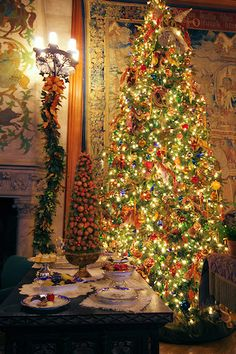 Christmas by Candlelight at Biltmore House in Asheville ... one of about 68 decorated trees in the house of more than 250 rooms ...