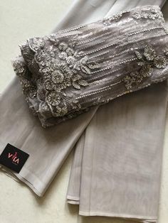 Ash grey imported plain organza saree with designer blouse pc Jute Silk Saree, Raw Silk Saree, Tussar Silk Saree, Cotton Saree, Indian Bridal Sarees, Bridal Silk Saree, Organza Saree, Designer Sarees Wedding, Designer Silk Sarees