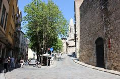 a walk in the sun through Girona at Letsgetgreening