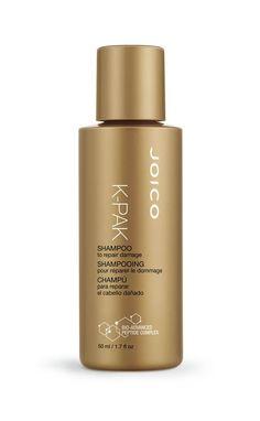 JOICO K-Pak - Shampoo - JOICO K-Pak - Shampoolässt geschädigtes, stark strapaziertes und kraftloses Haar glänzen und verleiht ihm natürlichen Schwung. Haarschäden werden direkt während der Reinigung repariert und rekonstruiert, sodass das Haar neue Kraft bekommt und lebendiger aussieht. Die haarauffüllende Textur eignet sich für alle Haarschäden und hilft auch bei coloriertem oder chemisch gewelltem Haar optimal.Technologie:In der Forschung erwiesenes Cremefundament: für die Auffüllung…