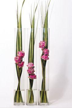 Super Ideas for flowers arrangements tall ikebana Hotel Flower Arrangements, Contemporary Flower Arrangements, Ikebana Flower Arrangement, Flower Vases, Flower Pots, Art Floral, Design Floral, Deco Floral, Floral Flowers