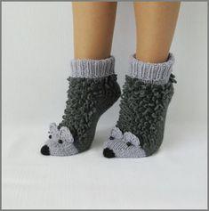 Two Needle Socks – Free Knitting Pattern Loom Crochet, Crochet Ripple, Crochet Coat, Crochet Shoes, Crochet Slippers, Wool Socks, Knitting Socks, Baby Knitting, Capes For Kids