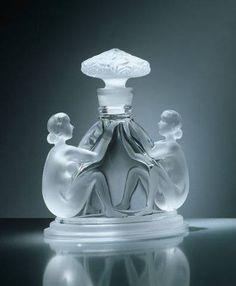 Art Deco Parfume Bottle by Renè Lalique ca.1925