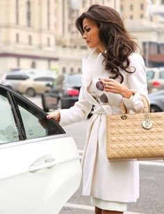 Suit Business Style Work Outfits Professional Office Mom Boss Online Fashion Styling Personal Style Online Fashion For Working Moms & Mompreneurs Lady Dior, Mode Outfits, Fall Outfits, Fashion Outfits, Fashion Weeks, Elegantes Outfit Frau, Online Fashion, Fashion Mode, Womens Fashion