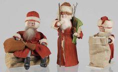 Lot # : 51 - Lot of 3: Santas.