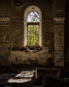 Why these abandoned places seem to have more soul than the living ones? Maybe just that sadness is more of an extreme emotion? It should be the gloomy weather that talking... #abandoned #old #village #church #past #color #nature #feelings #sun #shadow #photooftheday #travel #discover #vsco #vscomood #instamood #moodoftheday #gloomy #benimkadrajim #gününfotosu #instagram #canon_photos #canontürkiye #izmir #eski #ig_izmir #ig_turkey #kadrajimdan #life…