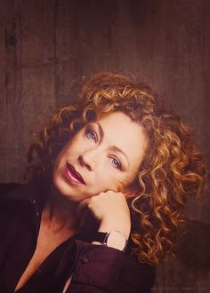 All hail, Queen Kingston Doctor Who Craft, Sarah Jane Smith, Alex Kingston, Tv Doctors, Good Doctor, Tenth Doctor, Hello Sweetie, Matt Smith, Dr Who