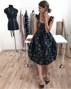 Modest Dresses, Simple Dresses, Pretty Dresses, Beautiful Dresses, Casual Dresses, Short Dresses, Fashion Dresses, Style Vintage, Fashion Sewing
