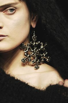 Alexander McQueen at Paris Fashion Week Fall 2008 - StyleBistro