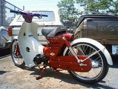 Honda Super Cub, stretched a little. Honda Bikes, Honda Motorcycles, Vintage Motorcycles, Custom Motorcycles, Custom Bikes, C90 Honda, Honda Cub, Vespa, Moped Scooter